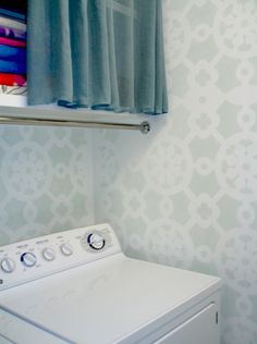 stenciled walls - love this pattern.