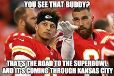 20 Funny Kansas City Chief Memes for Super Bowl 54 Texans Memes, Chiefs Memes, Funny Football Memes, Nfl Memes, Memes Humor, Kansas City Chiefs Football, Nfl Kansas City Chiefs, Nfl Football, Sports