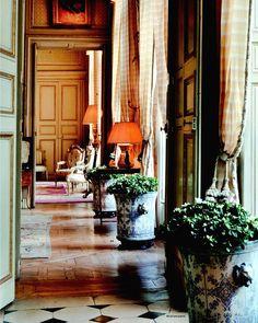 (John Yunis) Jean-Pierre et Zeineb Marcie-Rivière rue de Varenne Paris. Interior…
