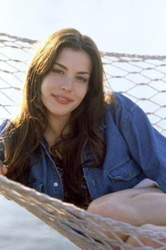 Liv Tyler w filmie Empire Records Liv Tyler Hair, Liv Tyler 90s, Mia Tyler, Elfa, Winter Typ, Sarah Michelle Gellar, Beautiful Actresses, 90s Fashion, Girl Crushes