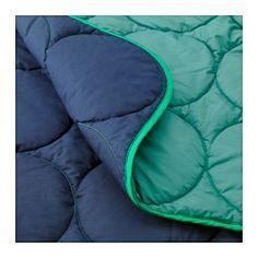 Zwei Steppdecken lassen sich mit dem Reißverschluss zu einem Doppelschlafsack verbinden. Atmungsaktive Lyocell-Baumwollmischung im Bezug sorgt durch gute Belüftung und Feuchtigkeitsausgleich für angenehmes Schlafklima. Einfach zu transportieren und unterzubringen, da die Verpackung gleichzeitig Schutzhülle bei der Aufbewahrung ist.