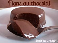 Recette flan au chocolat facile et rapide Easy and fast chocolate custard recipe Chocolate Custard Recipe, Chocolate Flan, Chocolate Desserts, Custard Recipes, Ice Cream Recipes, Cake Recipes, Dessert Recipes, Quick Dessert, Pumpkin Spice Cupcakes