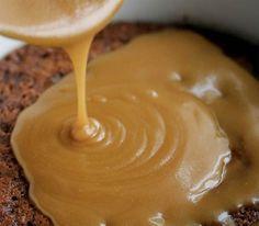 Recette: sauce à l'érable. Maple Syrup Recipes, Caramel Recipes, Yummy Appetizers, Delicious Desserts, Cocktail Sausage Recipes, Sauce Au Caramel, Baking Recipes, Dessert Recipes, Ricardo Recipe