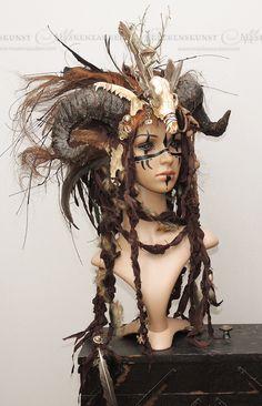 Larp-Headdress - Hörner-Headdress - Voodoo - Kopfschmuck mit Hörnern - Larp-Accessoire - Headpiece - Maskenzauber - larpSchmuck von Maskenzauber auf Etsy