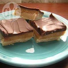 Carrés sablés au caramel et au chocolat @ qc.allrecipes.ca