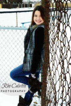 teen pose, outdoor, winter, snow, photography, Rho Calvitto Photography