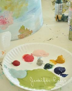 How to paint an artist's palette-inspired floral lampshade. Floral Lampshade, Make A Lampshade, Fabric Lampshade, Lampshades, Painting Lamp Shades, Painting Lamps, Diy Painting, Tole Painting, Acrylic Painting Techniques