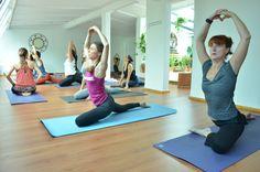 ¿Y tú donde haces Yoga? ¡Ven a nuestras clases TODOS los días! a partir de las 8:30am, + info en www.lacuevadelyogui.com.mx/nuestras-clases