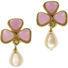 Pre-owned Chanel Vintage Pink Pearl Earrings (2.905 RON) ❤ liked on Polyvore featuring jewelry, earrings, pearl earring set, chanel earrings, clip on earrings, teardrop pearl earrings and teardrop pendant