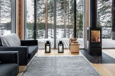 This modern log home in Finland is heated by the earth… Pluspuu Oy designed the Log Villa house in Finland as an energy efficient modern residence warmed with geothermal energy Prefab Log Cabins, Modern Log Cabins, Modern Prefab Homes, Cabin Kit Homes, Log Homes, Tiny Homes, Barn Homes, Cabin Design, House Design