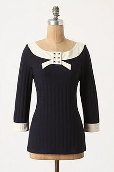 Ribboned collar top, 58,00€ (Quinn wore this bow sweater in mustard on GLEE:))