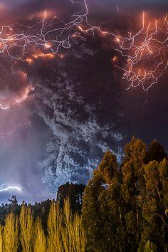 Erupcion Cordon Caulle ~ By Francisco Negroni / Tumblr