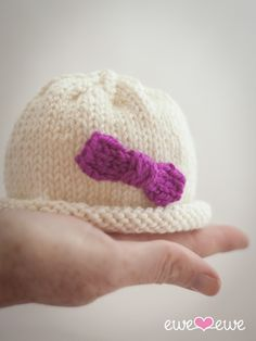 Hello Preemie Hat {free knitting pattern}