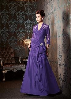 Stunning Taffeta & Tulle A-line Shallow V-neckline Floor Length Mother Dresses With Lace Appliques