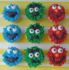 such cute cupcakes! 1st Birthday Themes, Elmo Birthday, 1st Birthday Girls, Birthday Parties, Birthday Ideas, Birthday Board, Happy Birthday, Sesame Street Cupcakes, Sesame Street Party