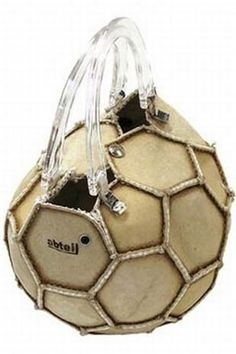 """""""Stuttgart-based bag maker Abteil has invented the ball bag specifically for female soccer fans: balls formerly used for soccer training are transformed into handbags with a history. These handbags. Recycling, Diy Handbag, Outfit Trends, Unique Bags, Sports Equipment, Soccer Ball, Soccer Moms, Beautiful Bags, Look Fashion"""
