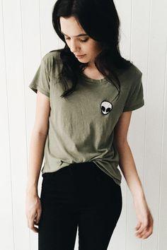 תוצאת תמונה עבור tumblr shirt was painted with an alien