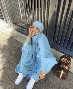 Modest Fashion Hijab, Modern Hijab Fashion, Hijab Fashion Inspiration, Kpop Fashion Outfits, Muslim Fashion, Modest Outfits, Cute Fashion, Niqab, Mode Turban
