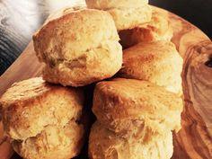 絶対腹割れ!朝食に♡本格プレーンスコーンの画像 Bread And Pastries, Sweets Recipes, Baking Recipes, Desserts, Baking Scones, Bread Baking, Baking Items, Sweet Cooking, Homemade Sweets