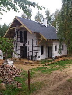 Budowanie domu na podstawie projektu Chatka z MG Projekt.  #dom #budowa #chatka #dach