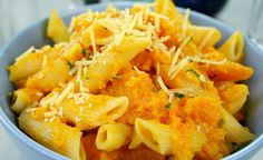 Try these easy recipe for butternut squash penne pasta!You'll long neck butternut squash - 2 ounces. Roast Butternut Recipe, Roasted Butternut, Butternut Squash, Pumpkin Pasta, Baked Pumpkin, Pumpkin Lasagna, Pumpkin Sauce, Penne Carbonara, Penne Pasta