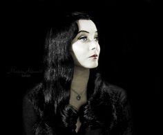 mörtïċïä f. äddäms The Addams Family Cast, Adams Family, Gomez And Morticia, Morticia Addams, Monster Horror Movies, Long Straight Black Hair, Charles Addams, Carolyn Jones, Anjelica Huston