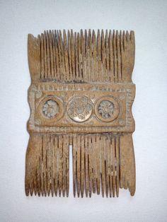 Ancient Roman bone comb
