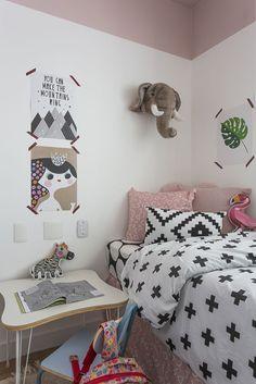 Projeto de Carol Miluzzi com inspiração nórdica, roupa de cama #mooui e pelúcia elefante #mimootoysndolls :)