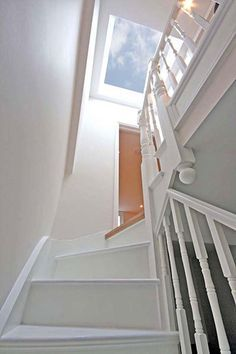 Velux above the stairs for light Attic Loft, Loft Room, Bedroom Loft, Skylight Bedroom, Dormer Bedroom, Garage Attic, Attic Library, Attic Ladder, Attic House