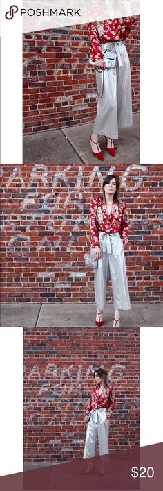Zara Silver Culottes with Bow Detail Sz XS Silver Zara culottes with bow detail, worn once for pictures. Super comfortable! Zara Pants