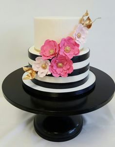 New birthday cake decorating ideas for mom bridal shower Ideas Kate Spade Party, Kate Spade Cakes, Birthday Cake 30, 30th Birthday Cake For Women, Bridal Shower Desserts, 50th Cake, Birthday Cake Decorating, Girl Cakes, Shower Cakes