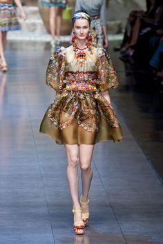 Dolce and Gabbana spring 2012