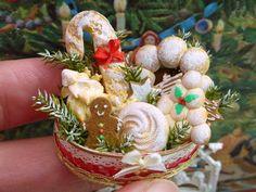 Christmas bread hamper