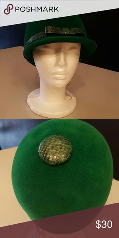 Green hat Gorgeous green hat. 1940s vintage. So pretty and great for casual and dressing up. So cute don't miss out on this piece Vintage Accessories Hats