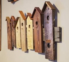 Wooden Bird Houses, Decorative Bird Houses, Bird Houses Diy, Rustic Wood Crafts, Wood Block Crafts, Wooden Crafts, Pallet Wall Hangings, Diy Pallet Wall, Repurposed Wood Projects