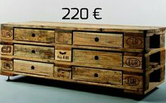 Unusual Kimidori chest of 6 drawers from recycled pallets, quality workmanship and oiled Pallet Crates, Pallet Sofa, Old Pallets, Pallet Furniture, Furniture Storage, Palette Europe, Palette Diy, Shipping Crates, Pallet Designs