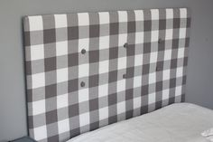 Learn how to make a cheap & easy DIY upholstered headboard with tufting, using simple materials you have at home. No powertools and no sewing needed. Cardboard Headboard, Cheap Diy Headboard, Diy Tufted Headboard, Headboard Cover, How To Make Headboard, Queen Size Headboard, Diy Headboards, How To Cover A Headboard With Fabric, Headboard Ideas