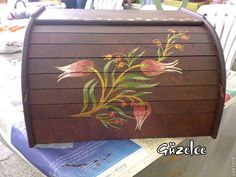 ► hobihane ◄: Aralık 2010 Painted Furniture, Projects To Try, Decorative Boxes, Arts And Crafts, Hand Painted, Ideas, Painting, Home Decor, Bread Boxes
