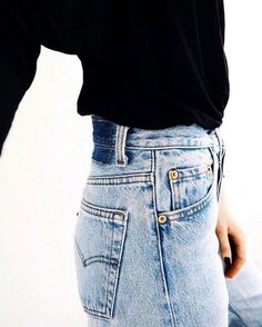 RE done high rise jeans//pinterest: juliabarefoot