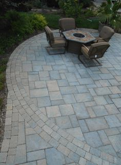 Circle Patio Techo Bloc Blue 60mm In Champlain Gray With