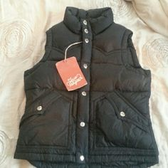 True Religion vest True Religion vest 100% AUTHENTIC got it at the store .Super warm True Religion Jackets & Coats Vests