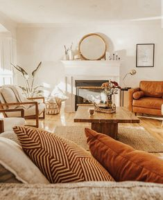 love the warms and the neutrals Earthy Living Room, Boho Living Room, Home And Living, Earth Tone Living Room Decor, Earth Tone Decor, Earthy Bedroom, Living Rooms, Living Room Inspiration, Home Decor Inspiration
