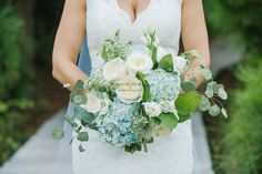 Blue + White Bouquet //  Florals by Charleston Bloom // Kiawah Wedding // Charleston SC Wedding Photographer // www.amymariekay.com