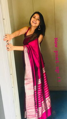 Beautiful Girl Indian, Beautiful Girl Image, Beautiful Saree, Beautiful Indian Actress, Gorgeous Women, Beautiful Outfits, Sari Blouse Designs, Tamil Actress Photos, Traditional Sarees