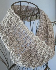 6 or 4 mm, Circular Knitting Needles Yarn Weight: (4) Medium Weight/Worsted Weight