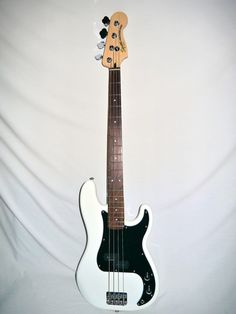 Indian Creek Guitars - Squier Vintage Modified Precision Bass - Olympic White,  (http://www.indiancreekguitars.com/squier-vintage-modified-precision-bass-olympic-white/)