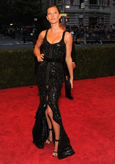 Vogue Daily — Gisele Bündchen in Givenchy Haute Couture by Riccardo Tisci and David Yurman jewelry