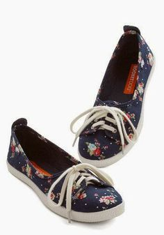 Cute Flat Shoes In Floral | BESPOKE VICTIM