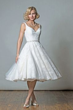 There are so many reasons to love vintage style wedding dresses and it differs from bride to bride. Here are five great reasons why you should consider wearing a short vintage style wedding dress on your wedding day. Vintage Style Wedding Dresses, Wedding Dresses With Straps, Tea Length Wedding Dress, Wedding Dresses For Sale, Bridal Dresses, Wedding Gowns, Flower Girl Dresses, 2017 Wedding, Wedding Venues
