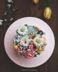 천연가루로만 조색하기 연습중 Mixing color out of natural powder white bean cream flower cake . the:floria's work #플라워케이크#플라워케익#버터크림플라워케이크#앙금크림레이스#flowercake#앙금플라워케익 #케이크 #꽃 #꽃스타그램 #花 #韓式唧花 #甜品 #ricecake#더플로리아 #thefloria#더플로리아 #앙금오브제 #앙금플라워 #豆沙 #韩国豆沙花 #韩式豆沙花 #豆沙花 #korearicecake #koreanbuttercreamflower #케익스타그램 #작약 #beancream #buttercream. Kakaotalk/LINE/WeChat. ID:floriacake/ thefloria . [모든 디자인의 권리는 THE: FLORIA에 있으며, 저작권자 허락 없는 저작물 이용은 저작권 침해로서 법적 책임이 따릅니다.]